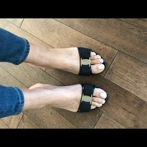 Good as new Ferragamo sandals size 37 eu usa 7